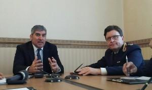 Il questore in conferenza stampa con il capo di gabinetto Milazzo