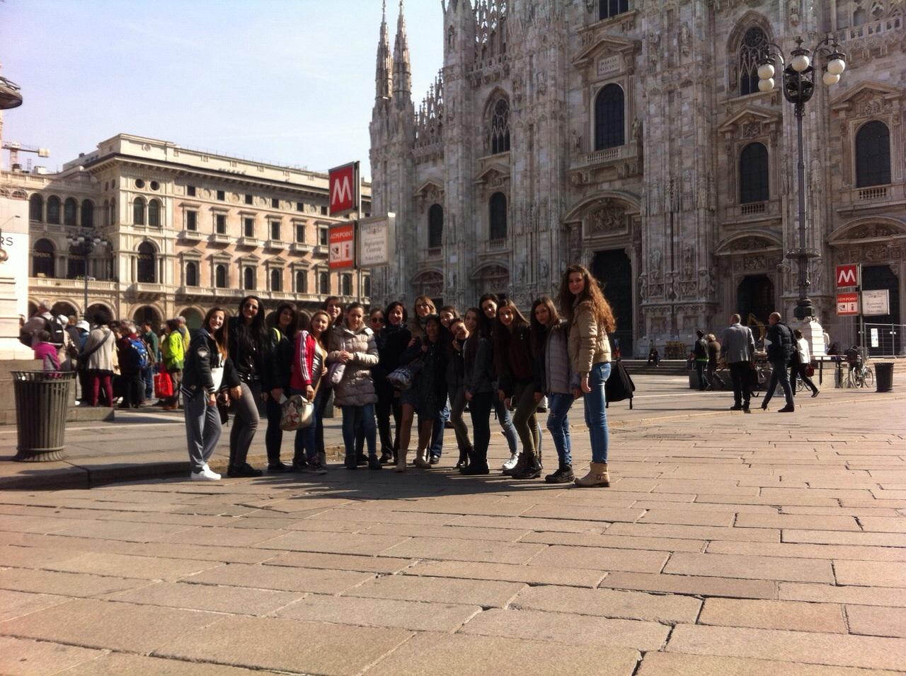 Gli studenti del liceo coreutico ruggero settimo alla for Liceo di moda milano