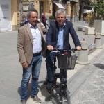 I sindaci di Caltanissetta e San Cataldo con una bici elettrica
