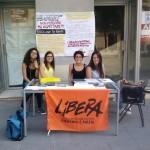 Il banchetto di Libera allestito in corso Vittorio Emanuele