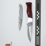 I coltelli ritrovati dalla Polizia