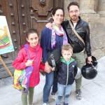 Francesco con la sorella Chiara e i genitori Andrea e Caterina