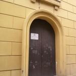 L'ingresso dello sportello Avos in via Re d'Italia