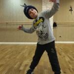 Francesco Mastrosimone durante un esercizio di breakdance