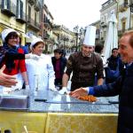 Osvaldo Bevilacqua durante la puntata a Mazzarino