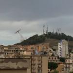 Il canadair sul monte San Giuliano (ph: Costanzo)
