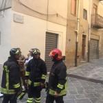 I vigili del fuoco in via Polizzi