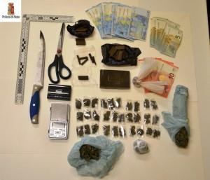 La droga sequestrata al gambiano