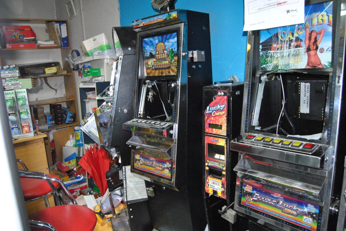 Locale slot machine